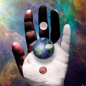 earth yin yang hand